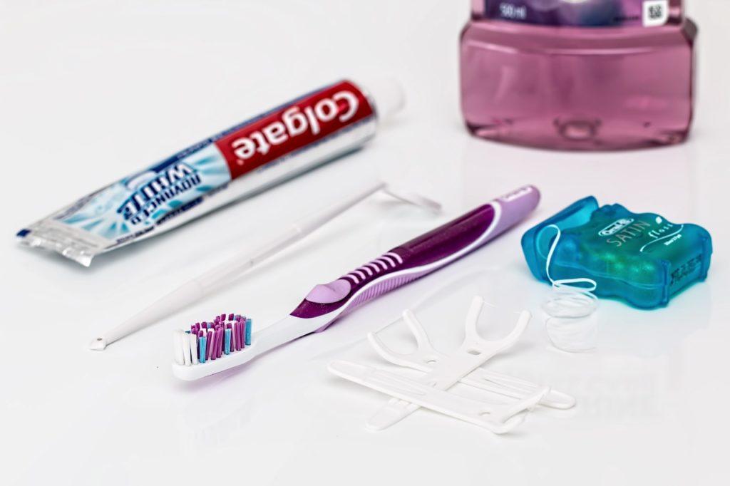 Avoir les dents blanches est synonymes d'une bonne santé dans nos sociétés actuelles
