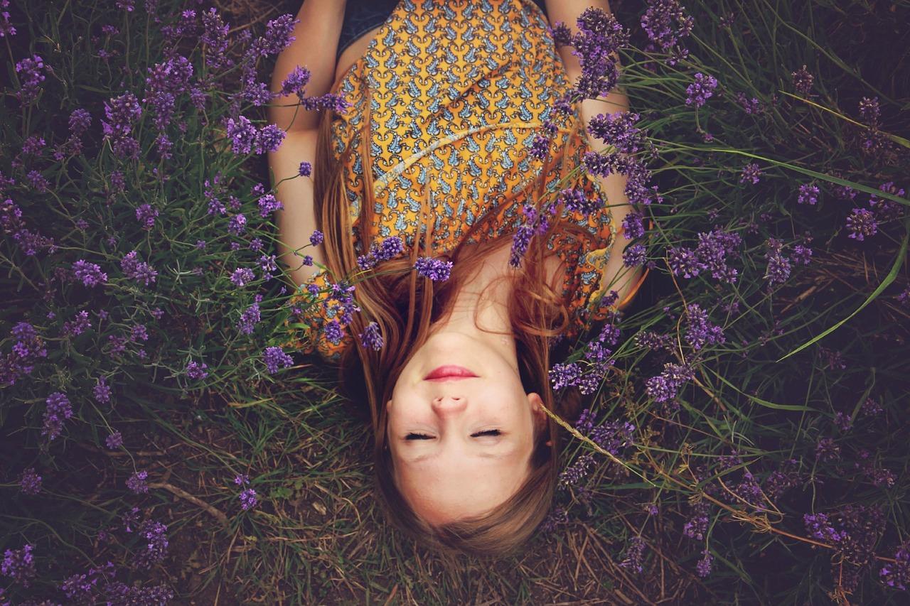 L'huile essentielle de lavande soulage efficacement (et naturellement!) les maux de tête type migraine