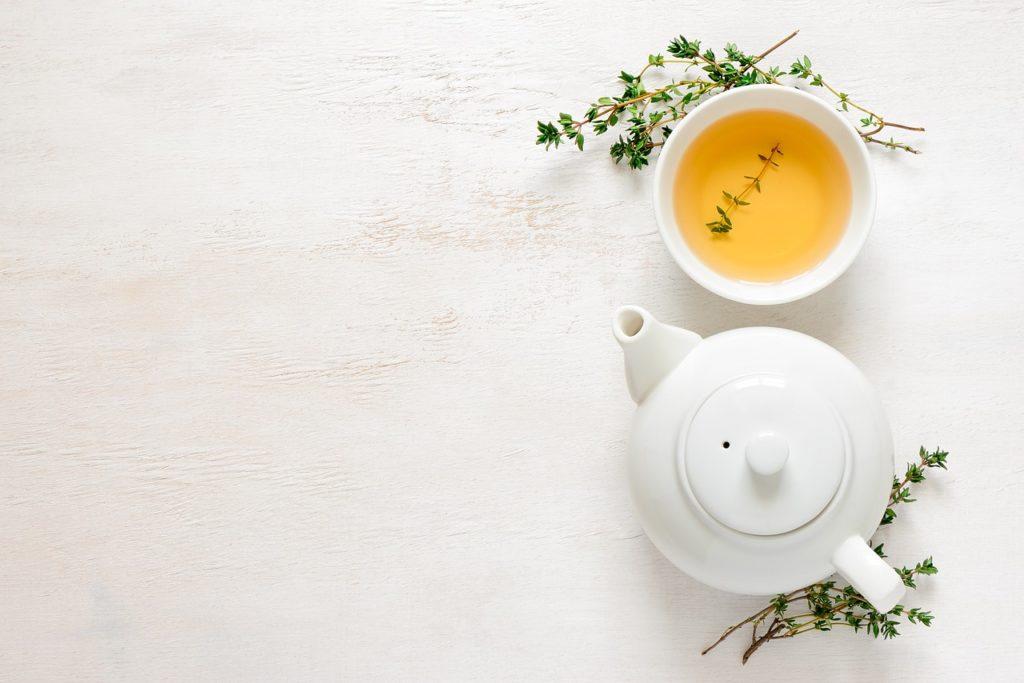 """L'huile essentielle """"Tea Tree"""" (Arbre à thé) permet de lutter contre le stress"""